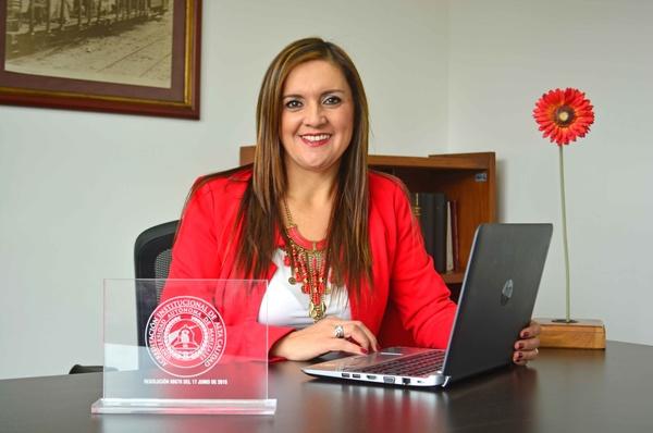 Lee más sobre el artículo María del Carmen Vergara Quintero, una de las cinco mujeres de Colombia líderes en la gestión de investigación